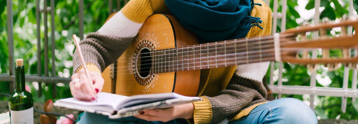 Singer songwriting-1131099734.jpg